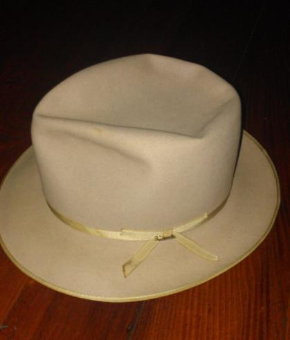 For sale Vintage Stetson Stratoliner with pin.  ec84c3fe041