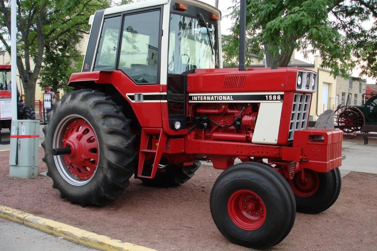 Tractor Of The Week #9 ( INTERNATIONAL 1486) Post Your